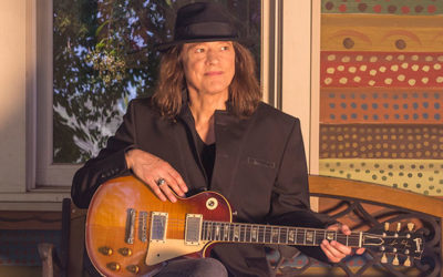 ROBBEN FORD in concerto
