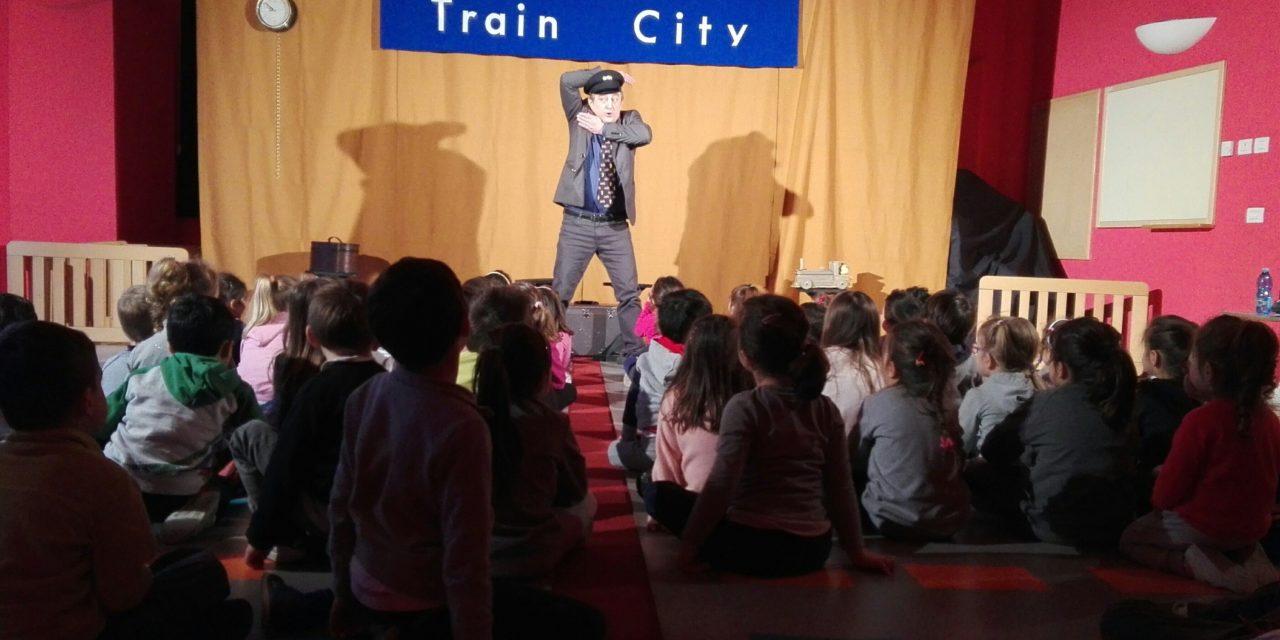 Tutti in treno! con Pandemonium Teatro